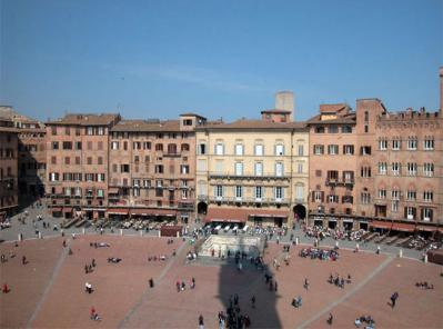 Hotels and Pensions near the Mainsquare of Siena