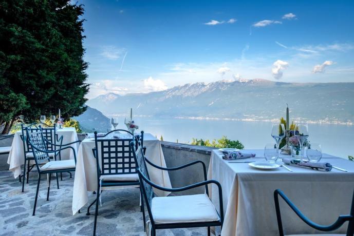 Possibilità di mangiare in terrazzo panoramico