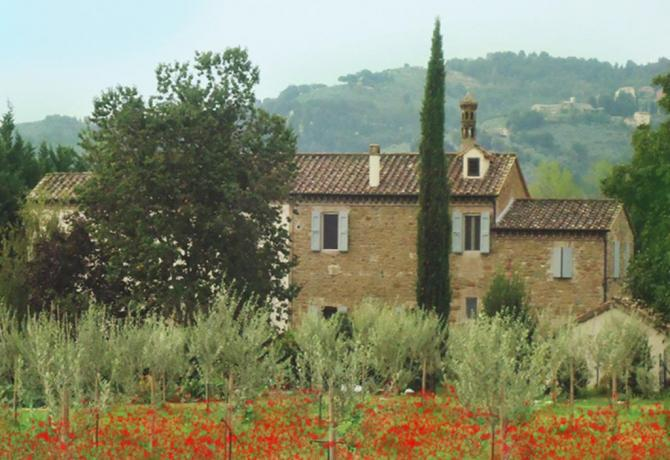Residenza con Appartamenti Bettona Assisi