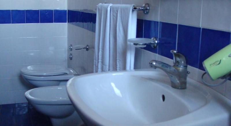 Hotel*** Silvi, mare Adriatico, Camere servizi privati, Wifi