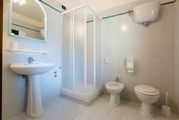 Bagno con doccia hotel 3 stelle zona Assisi