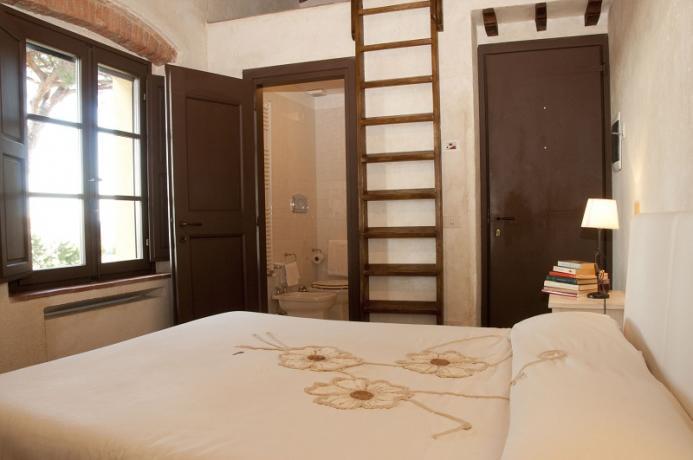 camera con bagno privato in appartamento vacanza, toscana