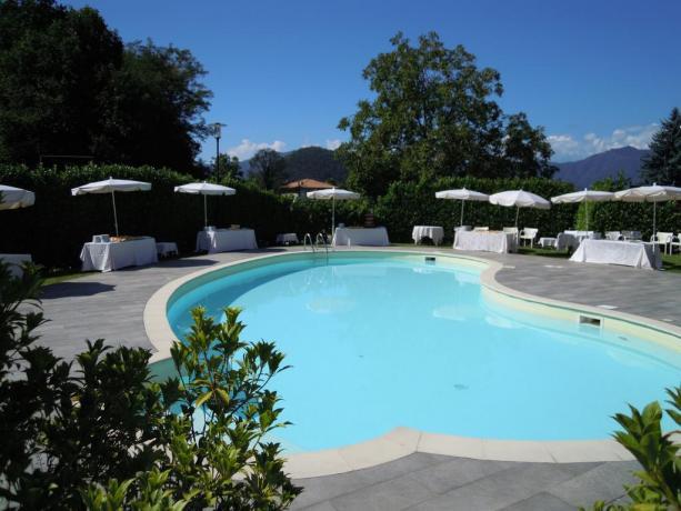 Splendida Piscina esterna in Hotel4Stelle ad Armeno