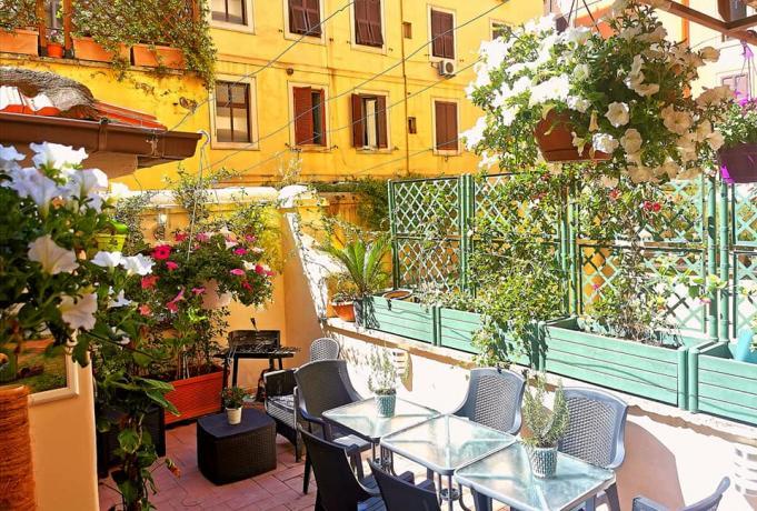 Appartamento vacanze con patio arredato a Roma centro