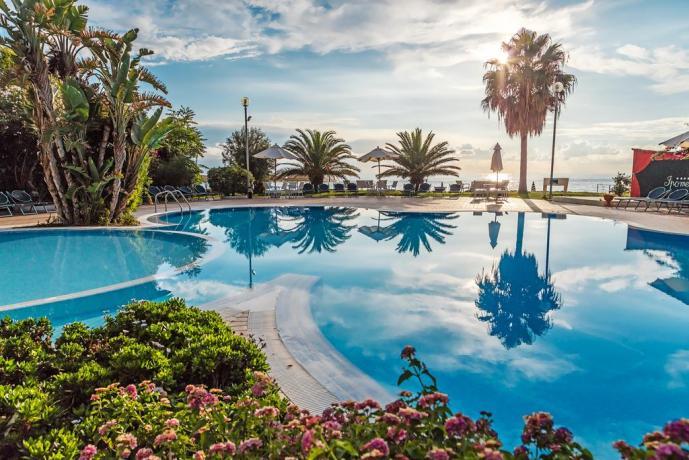 Resort 4 Stelle Centro Benessere - V. Club Capo Vaticano