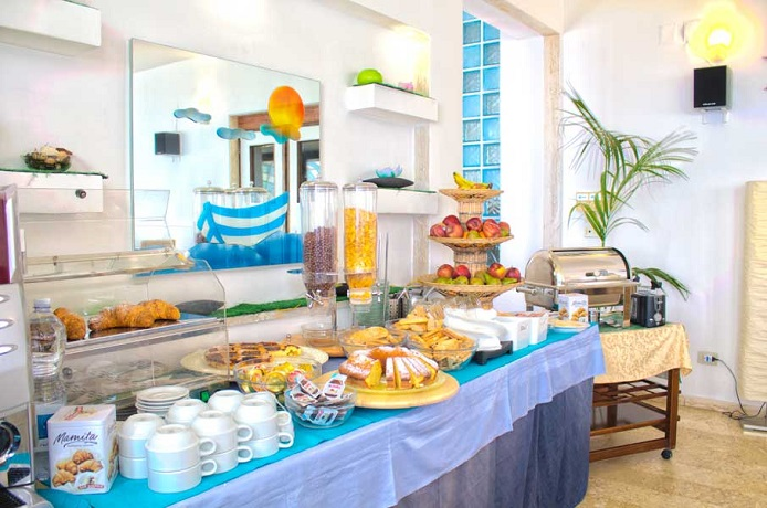 Prima colazione a buffet in Hotel