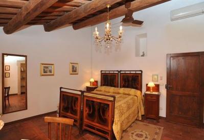 Camera doppia con letto matrimoniale Bilocale Margherita