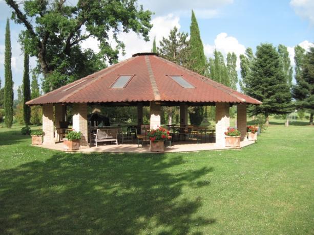 Giardino con Gazebo vicino Perugia
