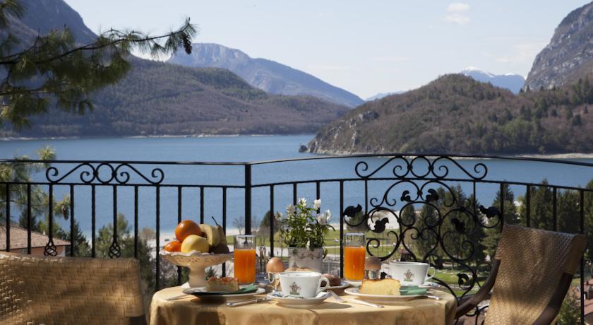 Colazione in Giardino vista Lago