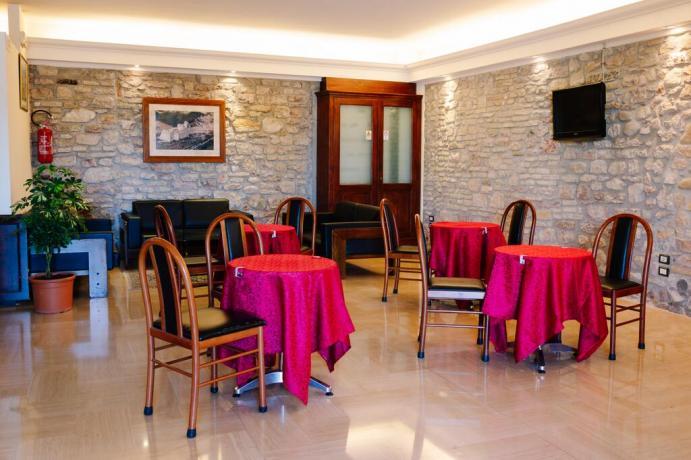 Hotel 3 stelle centro città Assisi con bar