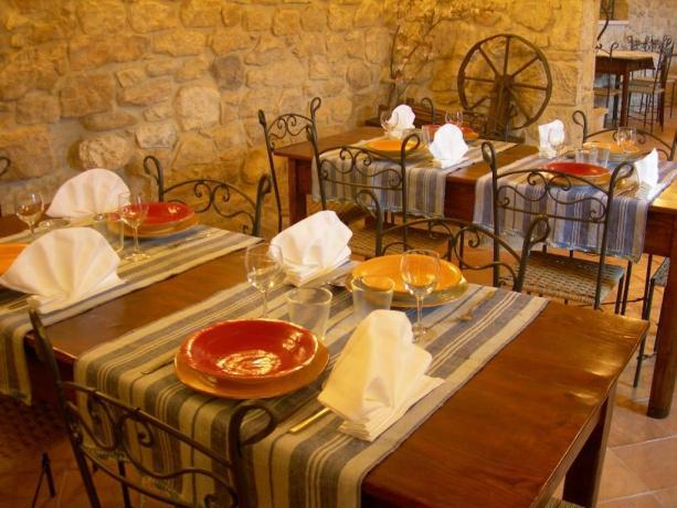 Sala Ristorante Agriturismo Abbateggio (PE) Cucina Prodotti Tipici