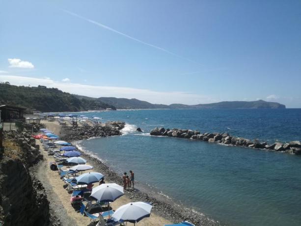 Spiaggia vicino campeggio a Palinuro