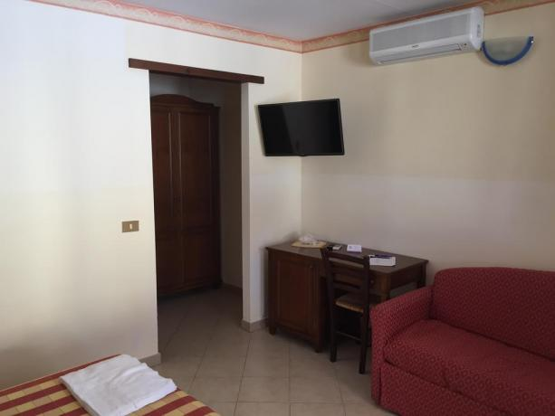 Camera con TV resort Castellammare del Golfo