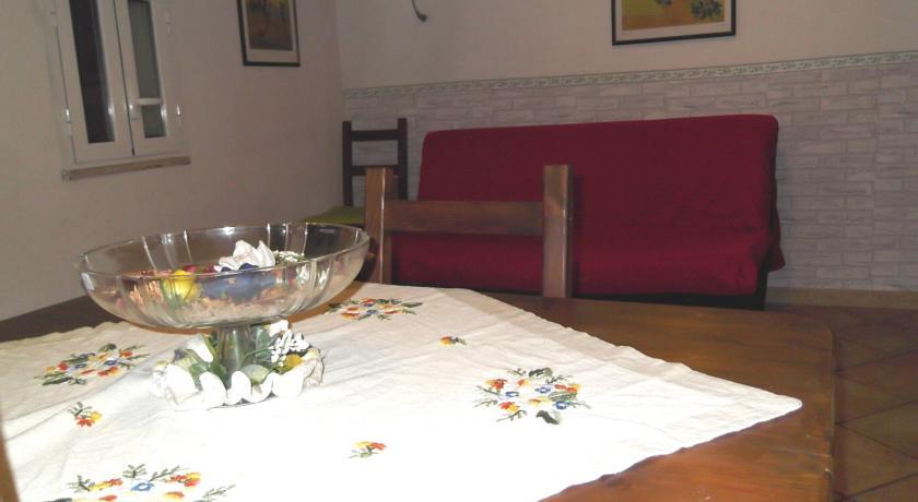 Divano letto, Villa vicino Aeroporto Ciampino