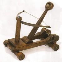 riproduzioni di antiche macchine da guerra