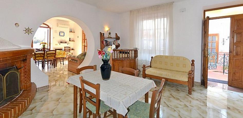 Ingresso appartamento casa vacanze vicino Porto di Ischia