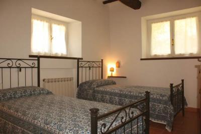 Camera doppia, Appartamento al piano terra