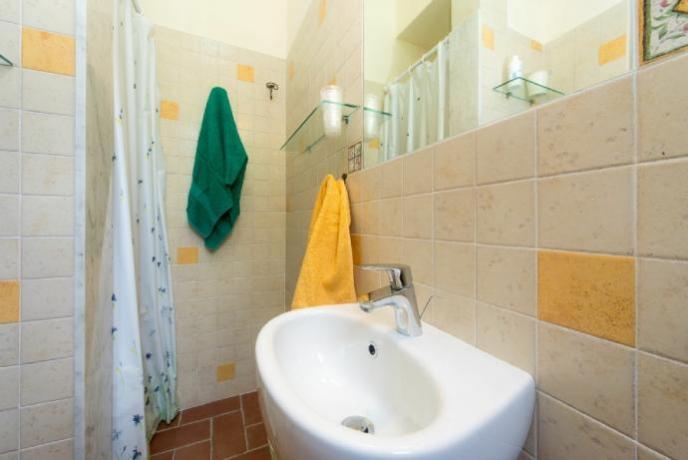 Spazioso bagno in appartamento Vacanza Lago Trasimeno