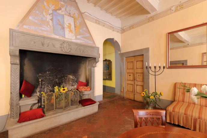 Accogliente Sala Lettura a Montecarlo