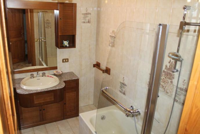 Bagno privato appartamento casa vacanze a Barano d'Ischia