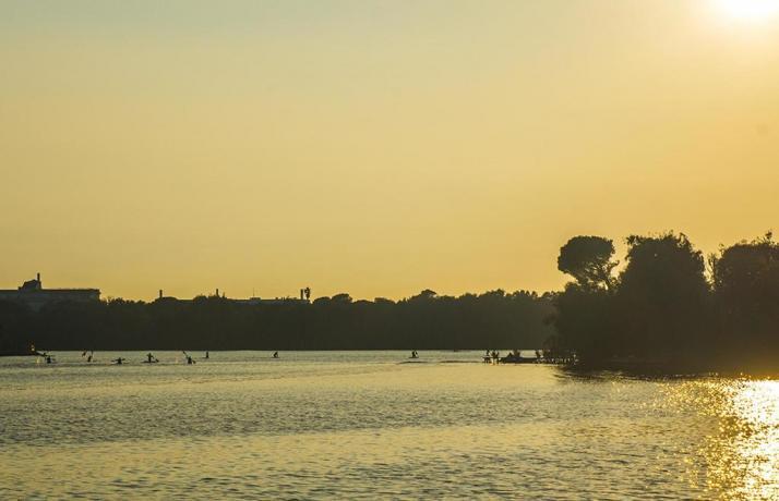 Albergo vista lago ideale per Vela, Canoa kayak