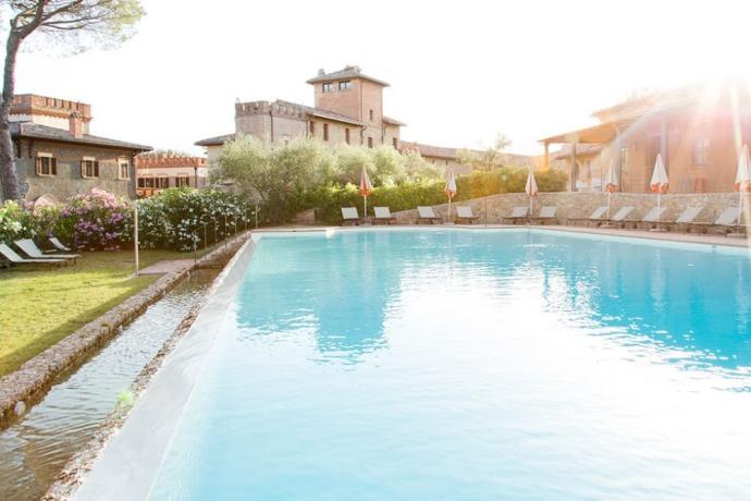 Resort di lusso con Piscina a Perugia