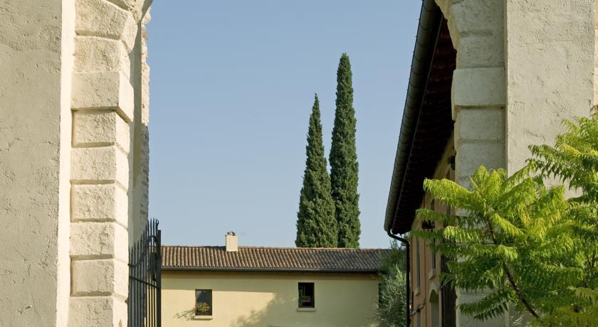 Relais con Ristorante Piscina e Centro Benessere