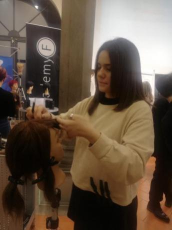 Parrucchiera Cutie-Hair: Aggiornamento Professionale