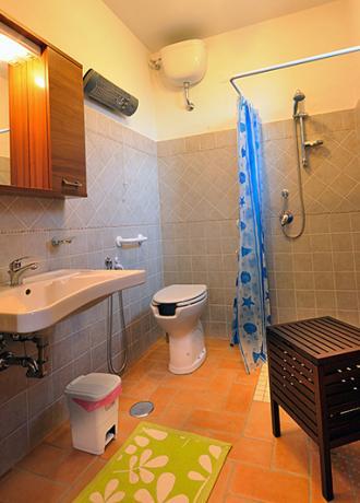 Agriturismo a Montebuono, appartamento sangiovese, bagno privato