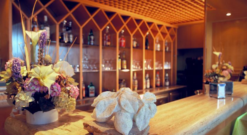 Bar dell'Albergo a Terracina con spiaggia