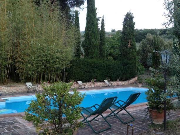 villa romantica trevi con Piscina
