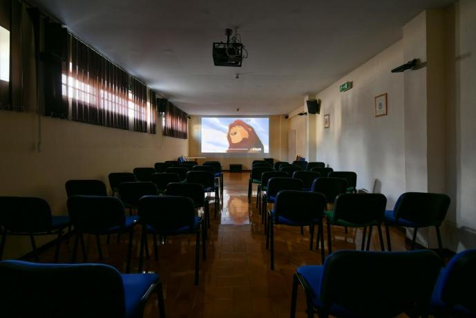 Sala cinema in Hotel vicino Roccaraso, Pizzoferrato