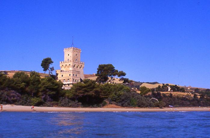 Hotel vicino all'Area Marina Torre del Cerrano