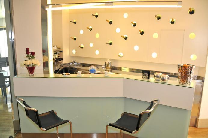 Hotel con bar privato per ospiti a Fondi
