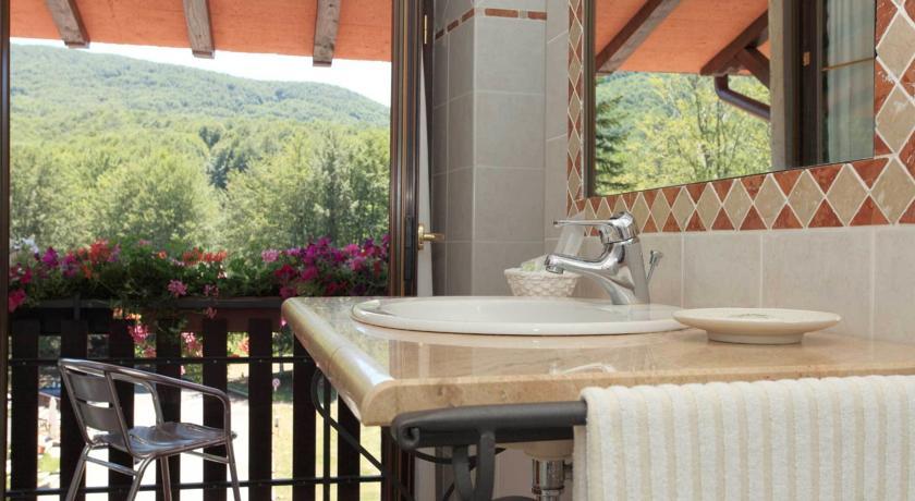 Bagni con Terrazzo albergo Amiata Benessere