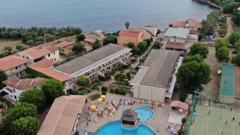 Villaggio-Hotel con 2 piscine adulti bambini Isola-capo-Rizzuto