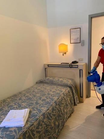 Pulizia camera ozono hotel3stelle centro Assisi Umbria