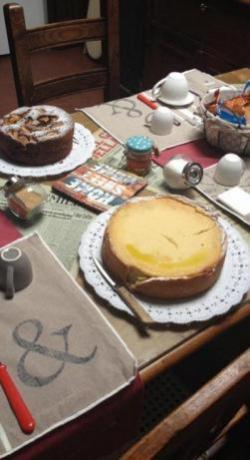 Colazione con torte fatte in casa