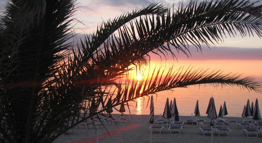 Dove dormire sulla Spiaggia a Numana