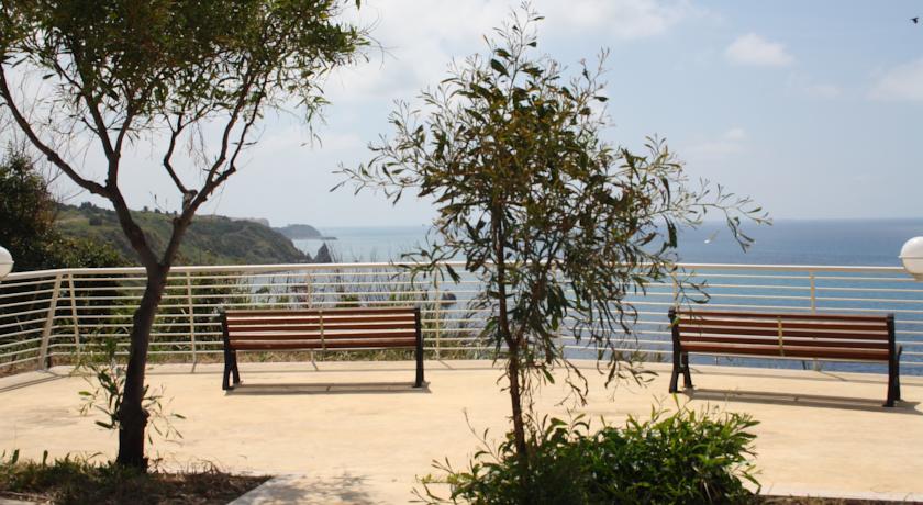 Villaggio in Costa degli Dei fronte Mare