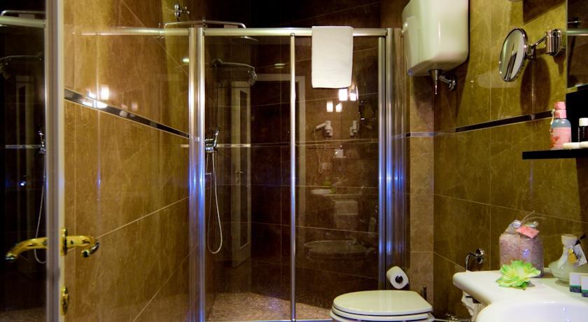 Bagno camera Grand Hotel Terme Chianciano