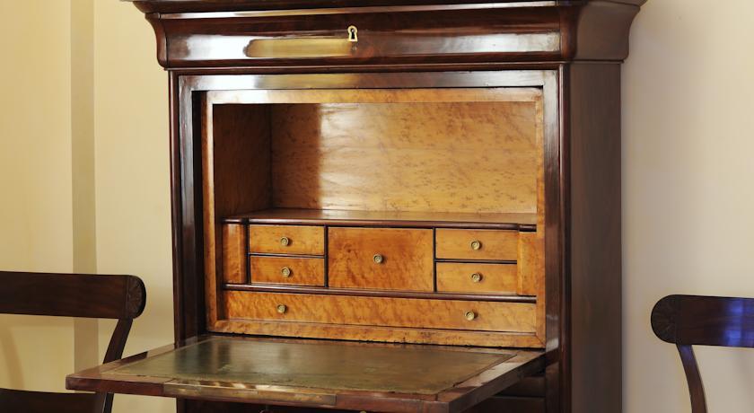 Alloggi con mobili classici