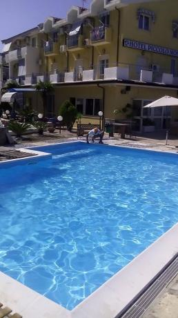 piscina hotel fronte mare Acquappesa