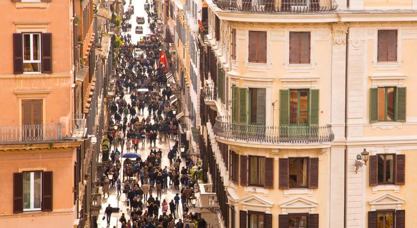 Camere a Roma vicino a Via Condotti