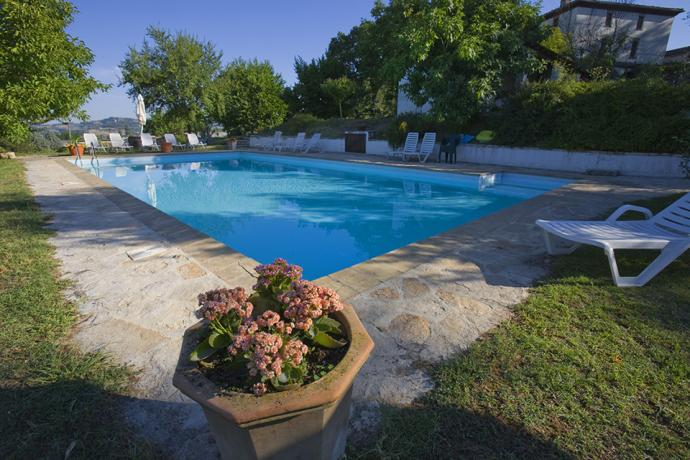 Appartamenti, Piscina Panoramica & Locanda - Country House Le Case Coloniche