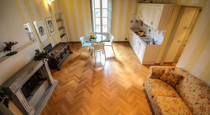 Junior Suite con Camino e Ampio soggiorno