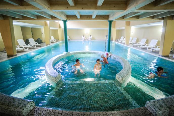 A Lavarone hotel con centro benessere, piscina coperta
