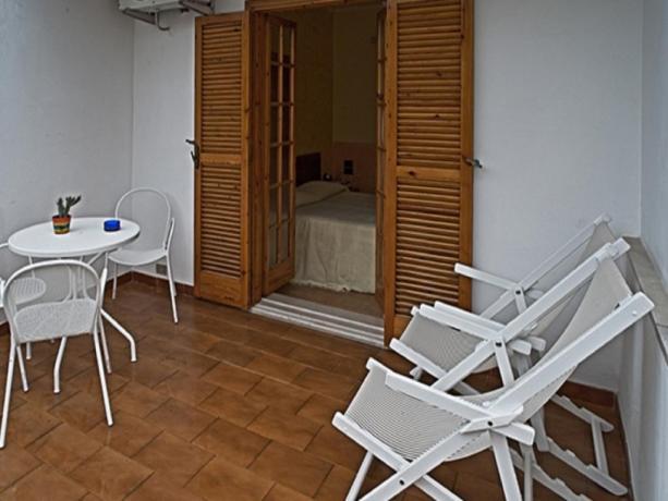 Balcone camera matrimoniale hotel in Puglia
