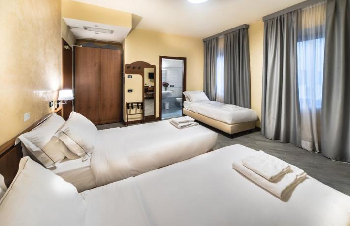 Camera Tripla con letti separati e Ristorante
