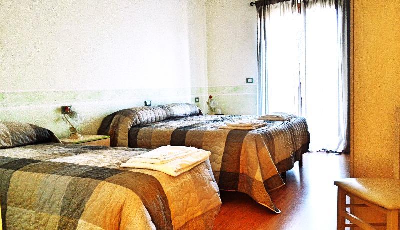 Hotel ad Ocre con Camere Triple